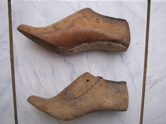 forma-para-calcados-feminino-modelo-sandalias-com-salto-D_NQ_NP_10209-MLB20026284869_012014-F